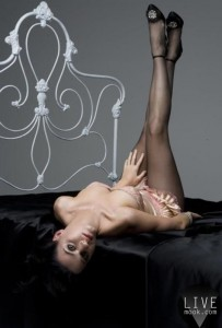katy-perry-pictures-upside-down
